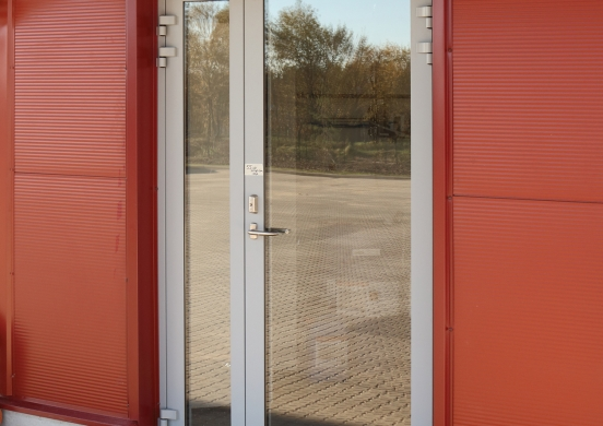 entrance doors are made of aluminum profile